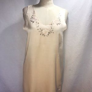 Pure silk chamise with rose embroidery M/L